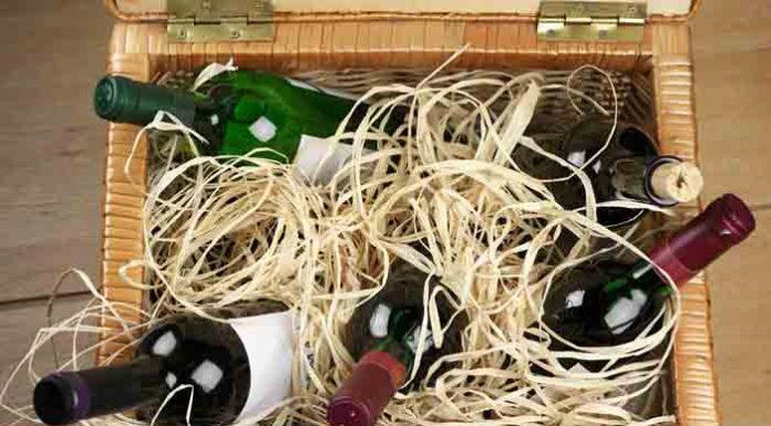 caja de vino con botellas para conservar